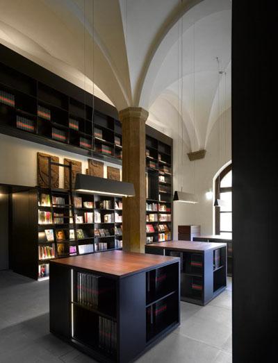 The bookstore at Gucci Museo