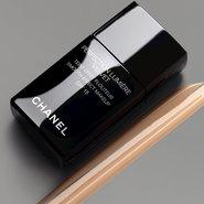 Chanel's Perfection Lumière Velvet foundation