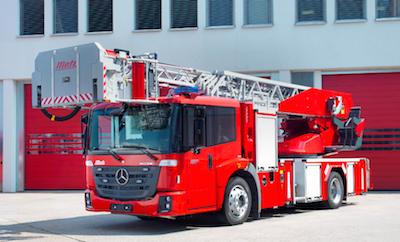 Mercedes benz introduces new fire trucks at interschutz for Mercedes benz emergency number