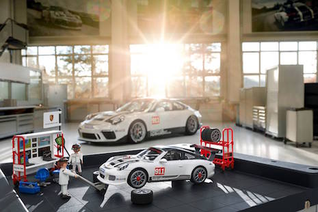 porsche.playmobil racing pit crew